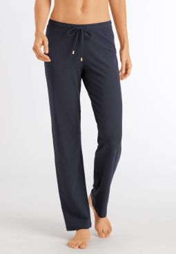 HANRO_201_W_Essentials_LongPants_078513_071534_040.jpg
