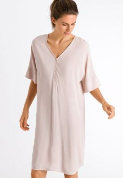 HANRO_201_W_Favourites_Dress100cm_078255_071889_040.jpg