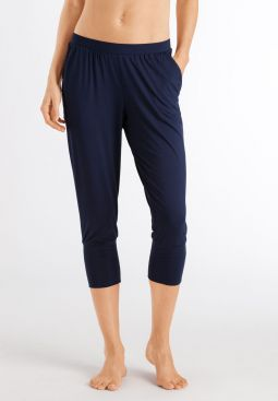 HANRO_201_W_Yoga_34Pants_078389_071610_040.jpg