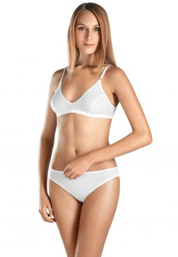 HANRO_Basic_W_CottonSeamless_SoftCupBra_071616_070101_040.jpg